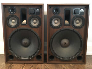Pair of Sansui SP-5500X Speakers - In Exceptional++ Condition