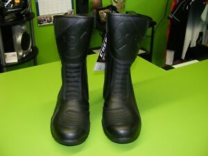 OXFORD - Waterproof Boots - Two Types - Various Sizes at RE-GEAR Kingston Kingston Area image 6