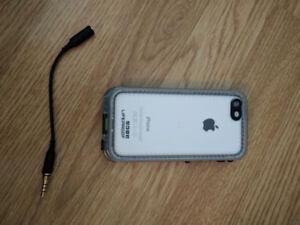 iPhone 5C 8GB + Accessories