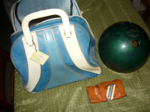 10 Pin bowling ball , bag and wrist support p/u in Smithville