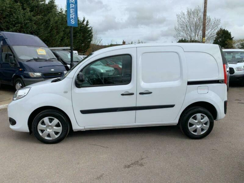 f1d51ab75b RENAULT KANGOO dCi 75 Eco2 Euro5 Start-Stop ML 19 Business Plus Energy  White Man