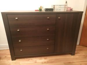Coiffeuse a vendre VITE / Dresser for sale FAST