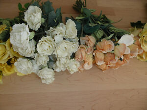 Beautiful fake flowers $ 10 - $ 15 per color or all $ 50 Kitchener / Waterloo Kitchener Area image 3