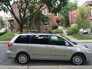 2009 Toyota Sienna Limited Van-REVISED PRICE