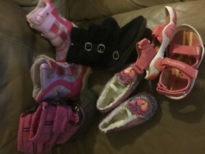 GIrls size 10 shoes/boots $12