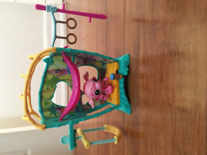 Kids toy - monkey swings upside down & moves around