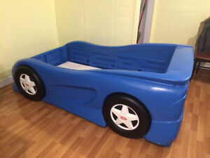 Little Tikes Car Bed St. John's Newfoundland image 1
