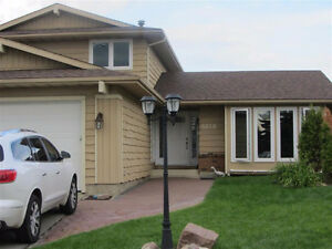 Amazing 4 Bedroom Fully Finished Detached Home in Edmonton