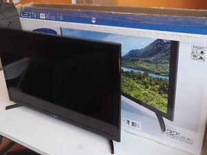 "SAMSUNG LED J4000 SERIES 32"" TV - NEW - DISPLAYED FOR 3 WEEKS"