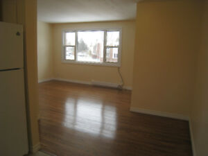 Bright 2 Bedroom Apartment Available Feb 1st