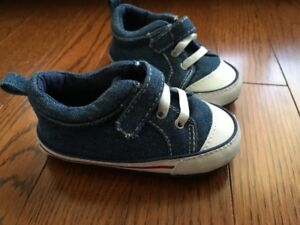 Tommy Hilfiger baby shoes (Size 3.5-4.5)  Brand New