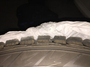 Excellent Condition Hankook Winter i-Pike RS (W419) 225-55R17