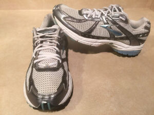Women's Brooks Glycerin GTS GO 2 Series Running Shoes Size 11 London Ontario image 5