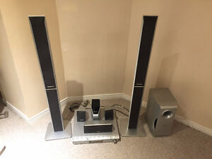Panasonic Home Theater SC-HT740 with Wireless Rear Speakers