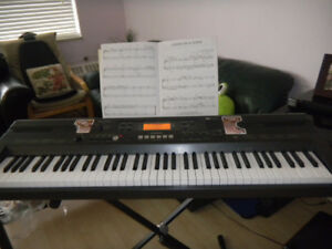 Casio Piano WK-110 w/t Stand, Manual, Adapter (76 keys)