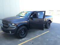 2014 Ram 1500 Sport crew cab (LOW KMS GREAT CONDITION)