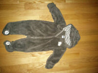 Carter's brand new bear suit size 6 months