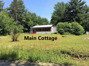 2 Bedroom Cottage with two Bunkies!