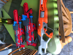 Nerf guns, great condition, billets are not included.