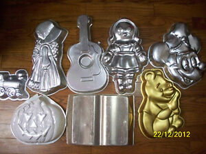 Cake Pans & Other Cake Decorating Items