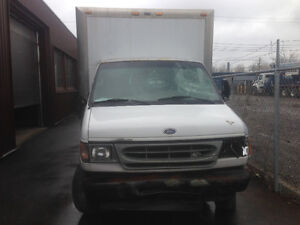 2002 Ford E450 super duty power strock V8 diesel 514799-6912