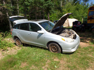 parting out 2005 toyota matrix all wheeldrive