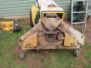 Garden Tractor Cub Cadet older model 14hp.