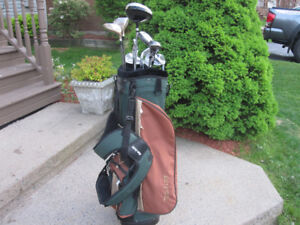 Men's Right Hand 12-pc Golf Clubs Set (Dunlop Reaction) & Bag