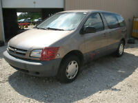 1999 TOYOTA SIENNA FOR PARTS AT PIC N SAVE WOODSTOCK!!!!!!!!