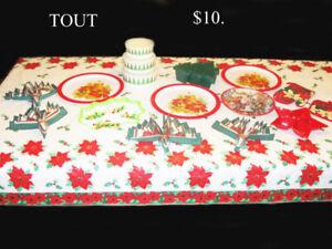Lot de 25 plats et accessoires de Noël