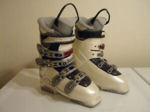 Downhill Ski Boots Salomon Irony X4 Mondo 25.5, Ladies size 8.5