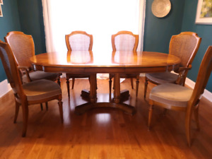 Dining set Table Chairs Hutch