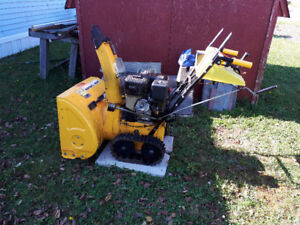 11 hP 27in Tracked Snow Blower