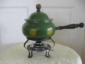 RETRO VINTAGE 1970's FONDUE CHOCOLATE / CHEESE MELTING POT