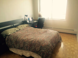 1 ROOM SUBLET FROM MAY-AUGUST NEAR MCGILL