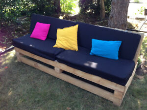 2 sets of 2 pallet couches and coffee table outdoor wedding