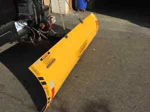 Personal hitch mount snow plow