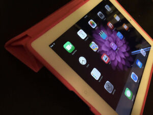 Apple iPad 2 32GB 32G White 2nd gen + Speck case + new charger!!