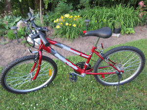 BICYCLE / BIKE - MOUNTAIN SuperSycle - Red -Like NEW!!