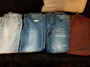 3 Jean's American Eagle & sweat pants Old NavyMens