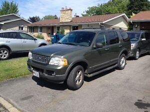 2003 Ford Explorer SUV, Crossover