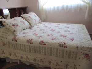 Bedspread and pillow shams