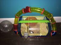 Hamster avec cage et boule d'exercice