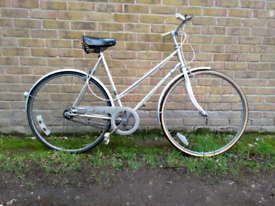 Classic vintage Dutch style Halfords city bike