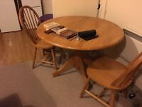 Pine table with 3 pine chairs