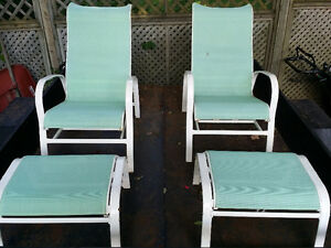 2 outdoor sunchairs with ottoman