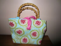 MARGARETH GRACE FLOWERED PURSE WITH PINK RIBBON & WOOD HANDLES