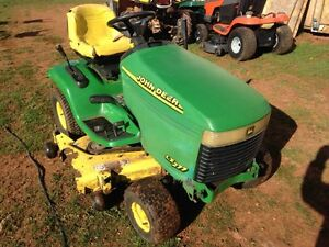 John Deere LX277 AS TRADED RUNS AND DRIVES