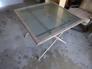 Foldable sqaure patio table with glass top Kitchener / Waterloo Kitchener Area image 3