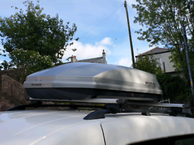 Exodus roof box silver 470L in good condition